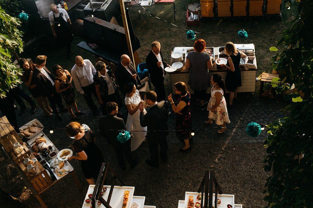 diner tijdens bruiloft
