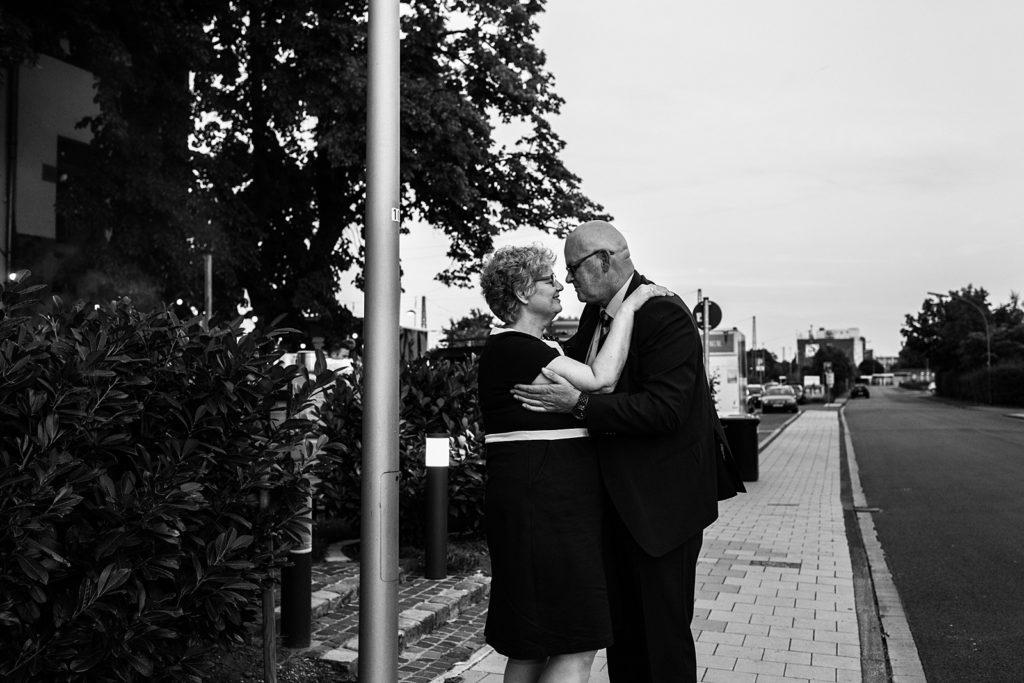 moeder van de bruid en de man