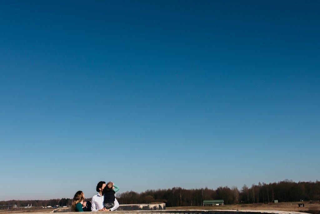 gezinsfoto bij vliegveld Twente