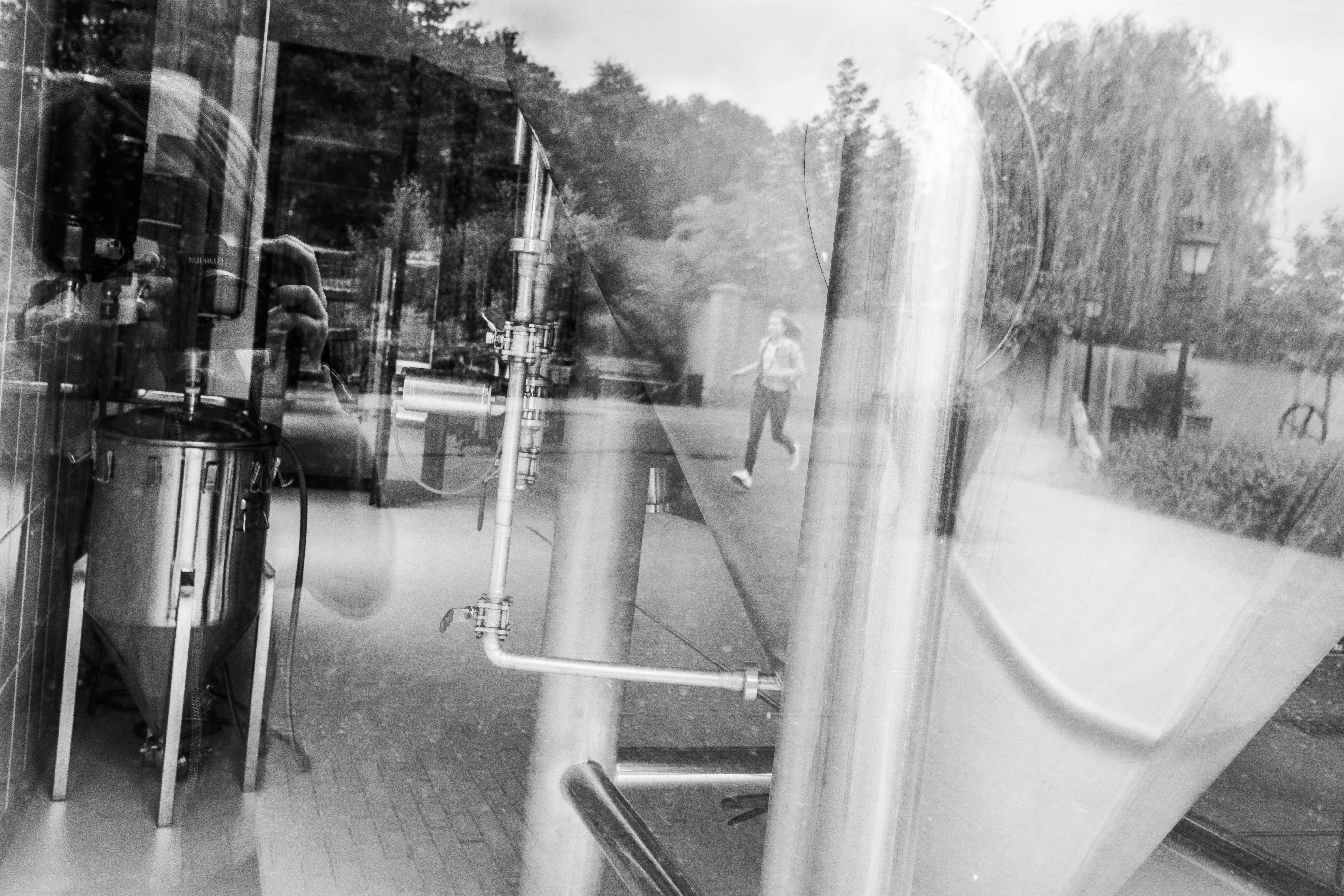 weerspiegeling door het glas
