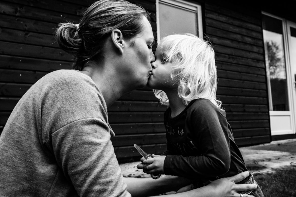 mama kust dochtertjes
