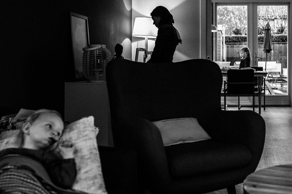 mijn favoriete documentaire foto's van 2019 - moeder en kinderen thuis